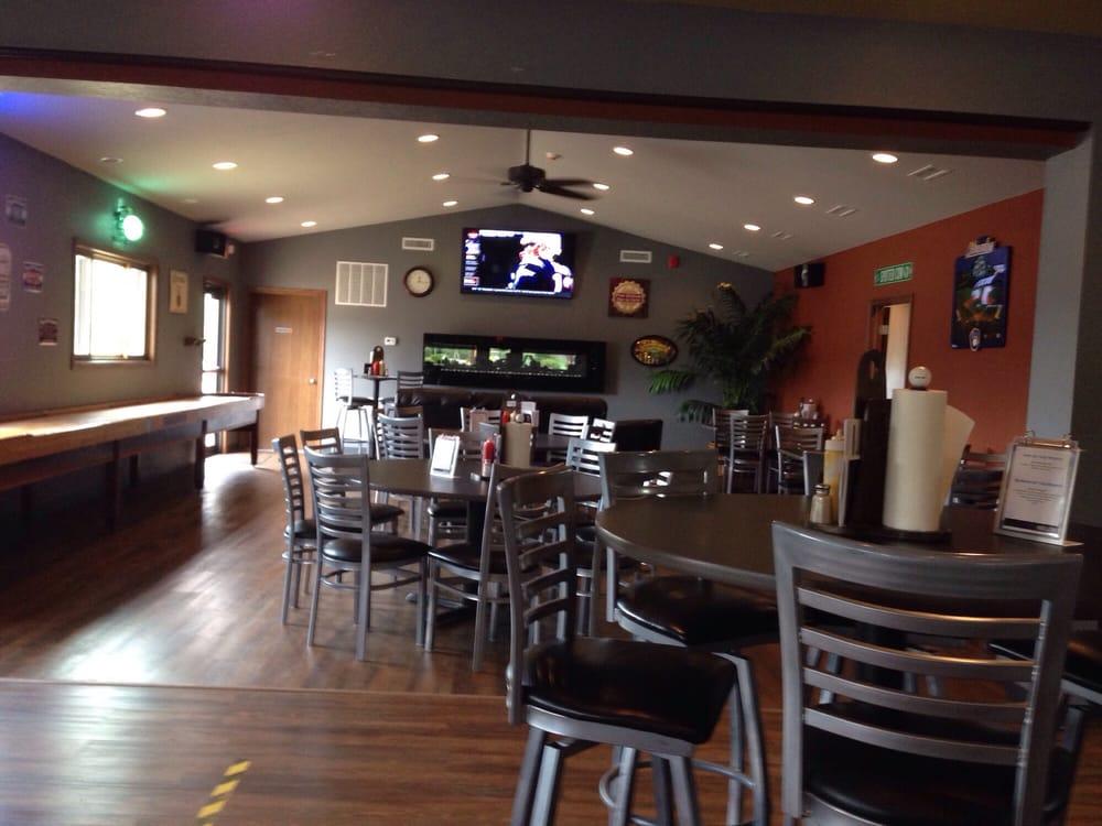 Fox Hollow Sports Bar: Fox Hollow Golf Course, La Crosse, WI