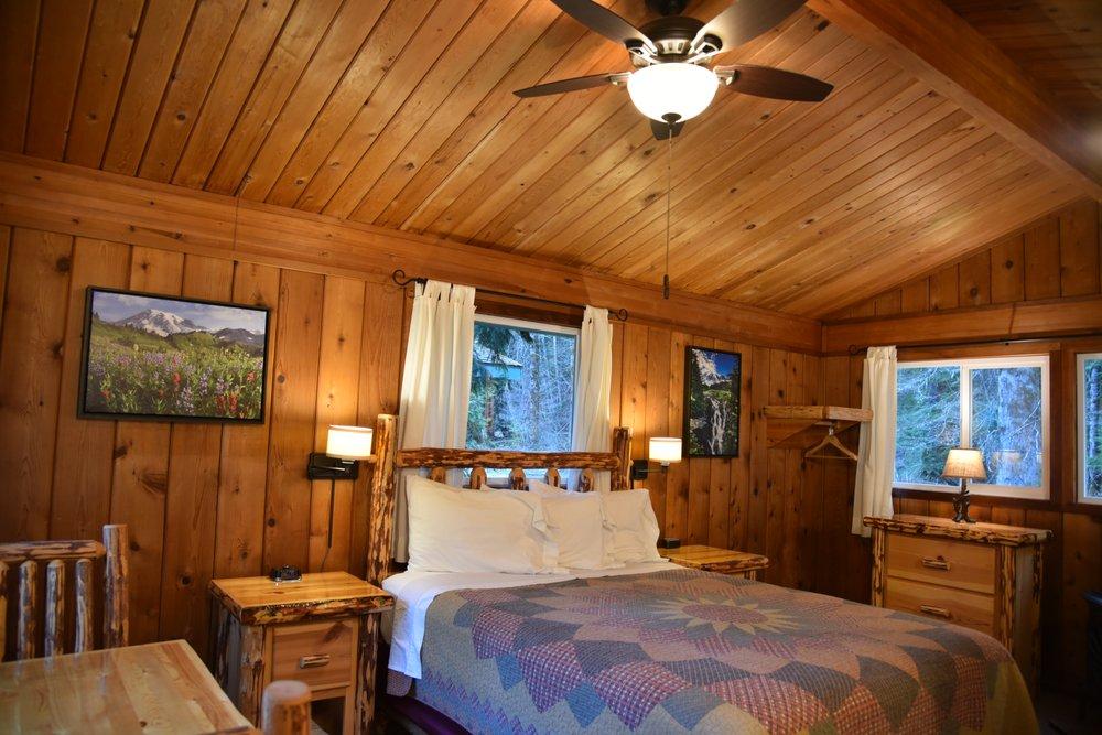 Stone Creek Lodge: 38624 State Route 706 E, Ashford, WA