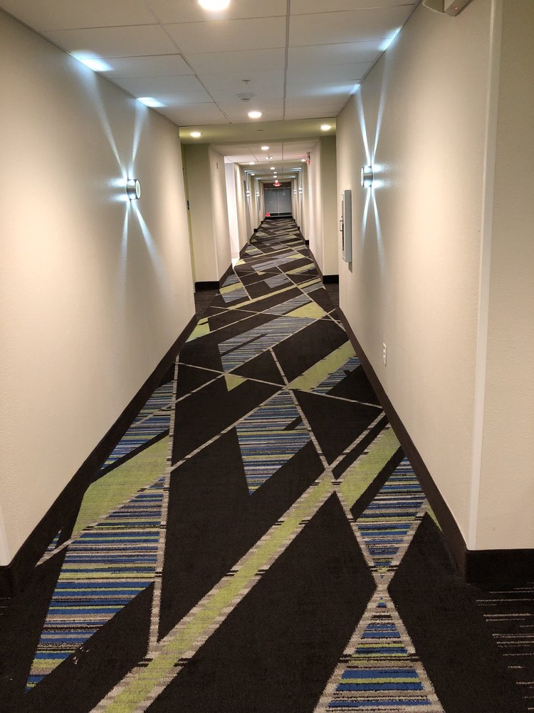 Holiday Inn Express & Suites Tampa East - Ybor City: 2520 N 50th St, Tampa, FL