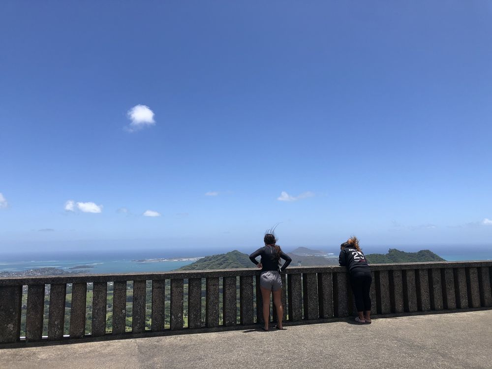 Pali Highway Scenic Lookout: 6301 Pali Hwy, Kaneohe, HI