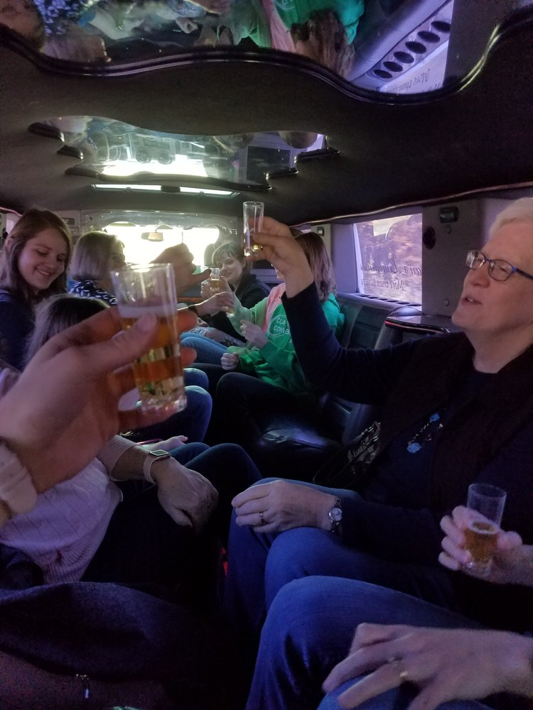 Photo of Hogan's Limousines: Des Moines, IA
