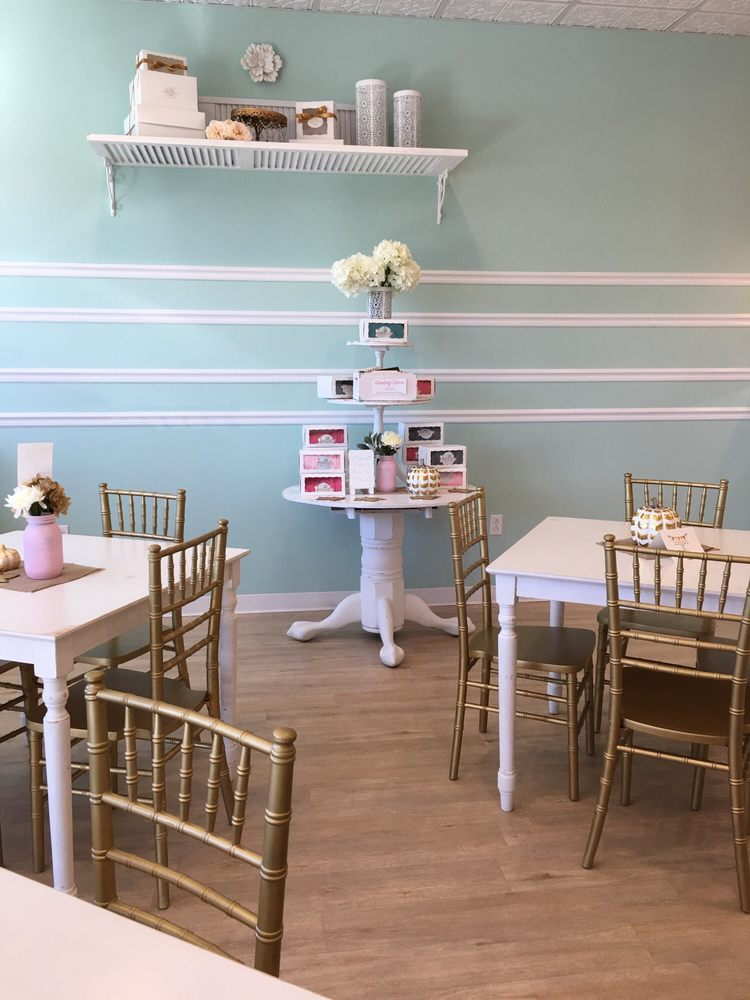 Joelle's Bakery & Cafe: 225 Burley Ave, Hopkinsville, KY