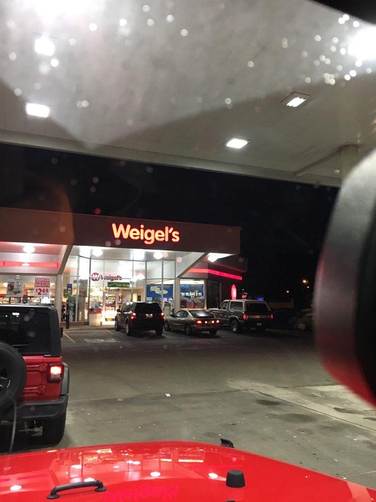 Weigel's: 102 Weigel Ln, Rocky Top, TN