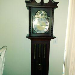 Roberts Clock Repair 82 Photos Clock Repair 9286 Picasso St