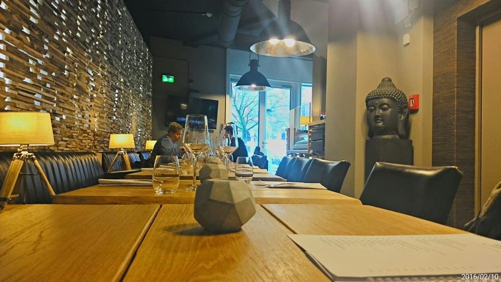 Schöne Holztische schöne holztische im restaurant akito yelp