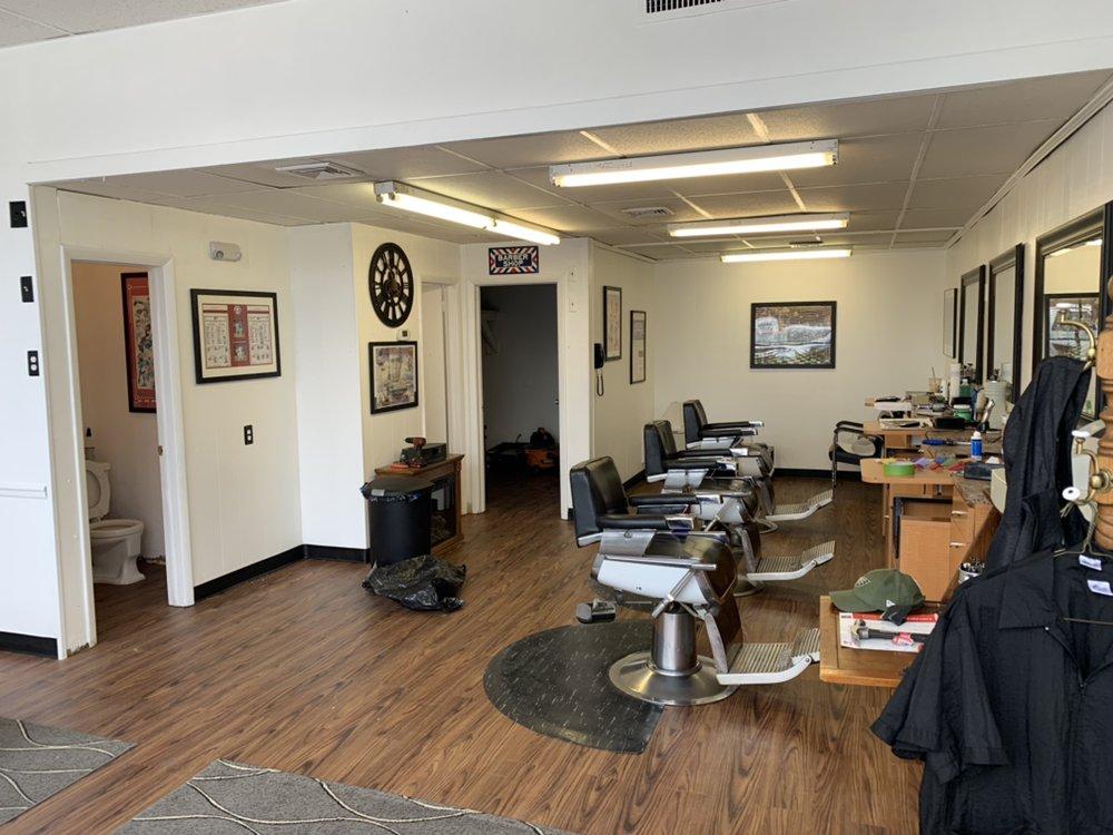Michael Devlin's Barber Shop: 857 W Butler Pike, Ambler, PA