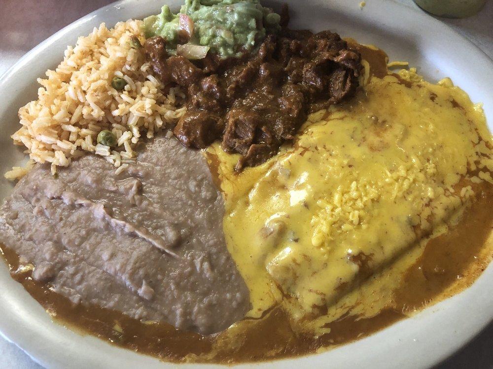 Taqueria Los Potrillos: 4500 E State Hwy 97, Pleasanton, TX