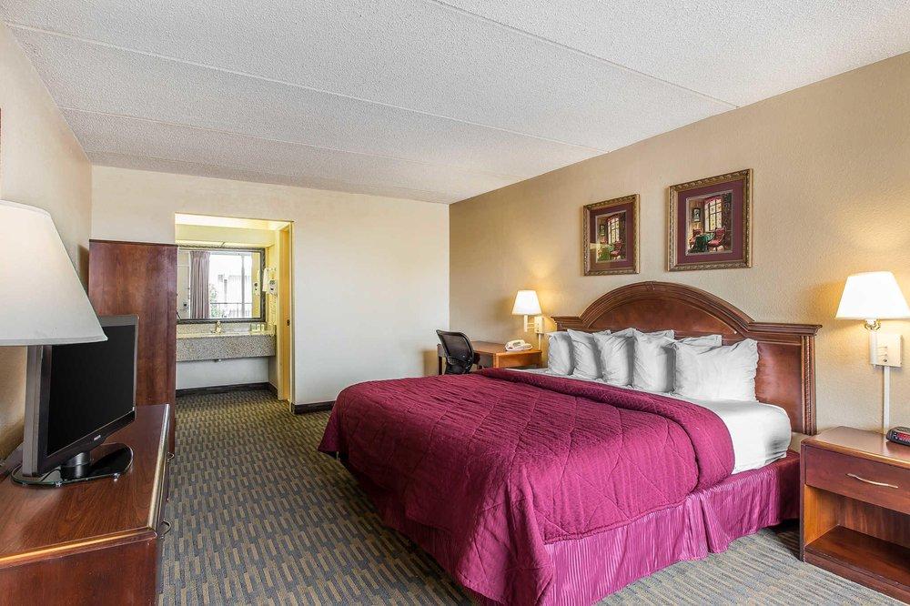 Quality Inn & Suites: 5539 Calhoun Memorial Hwy, Easley, SC