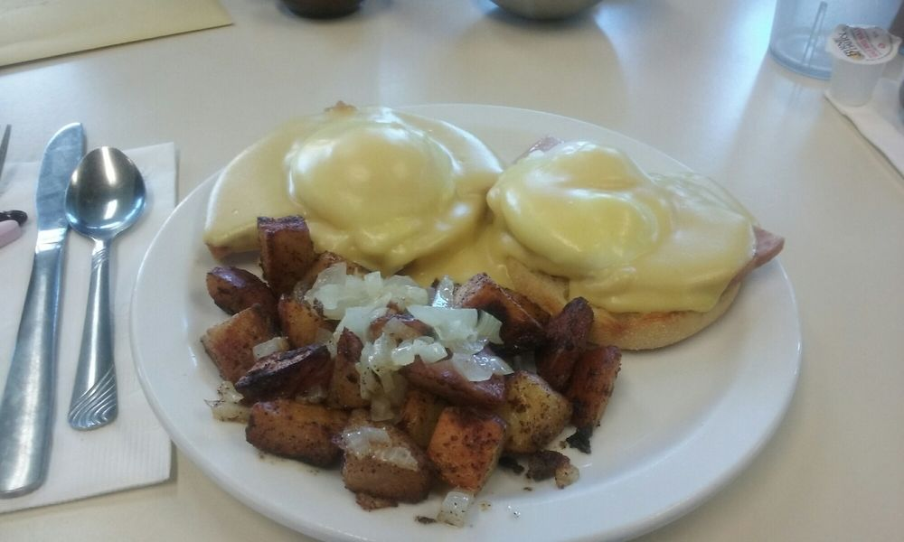Nicks Breakfast and Lunch: 567 Main St, Athol, MA