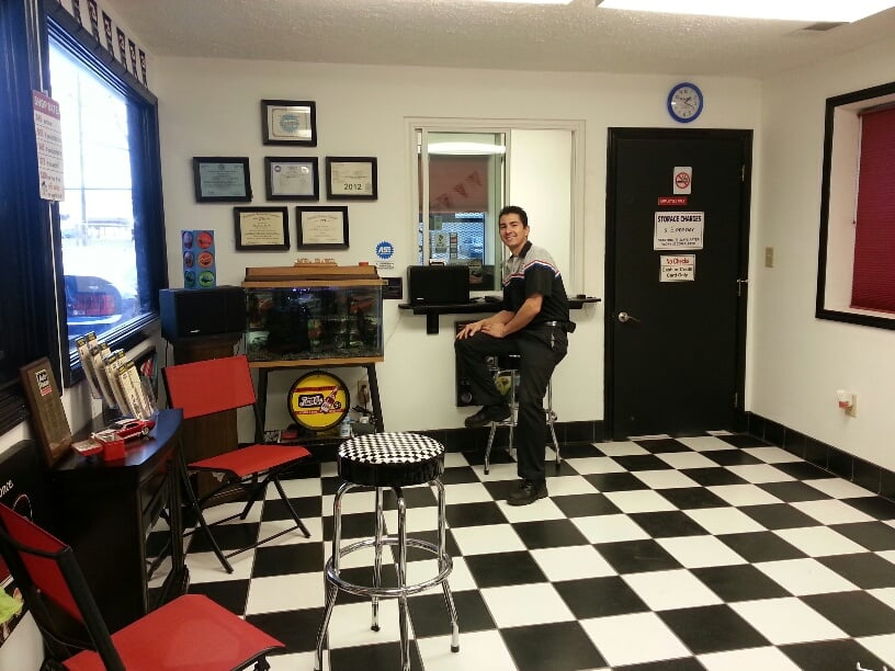 Davo Jr Automotive 24/7 Wrecker Service: 4925 13th Ave, Columbus, GA