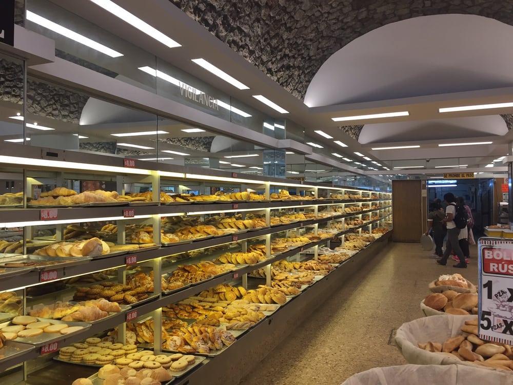 Pastelería Madrid - Cuauhtémoc, México. Breads and croissants.... Huge selection
