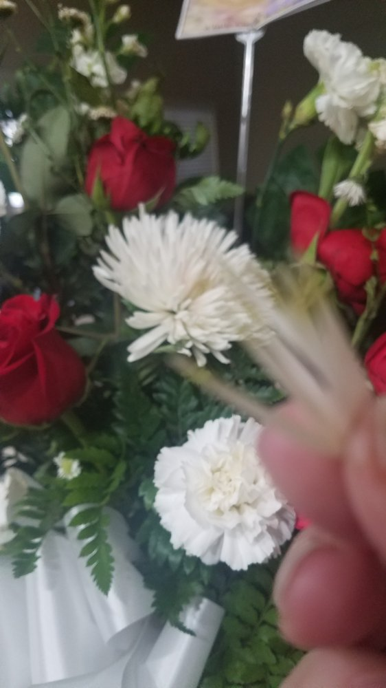 A Little Castle Flower Shop: 1102 E Harrison Ave, Harlingen, TX