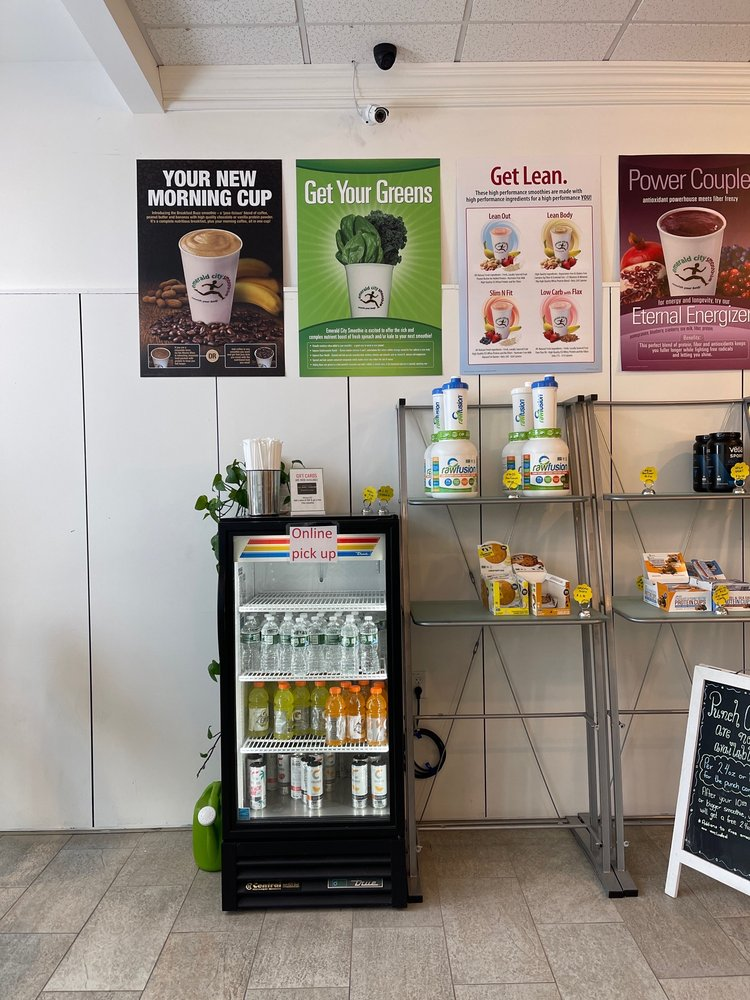 Emerald City Smoothie: 110 Albany Turnpike, Canton, CT