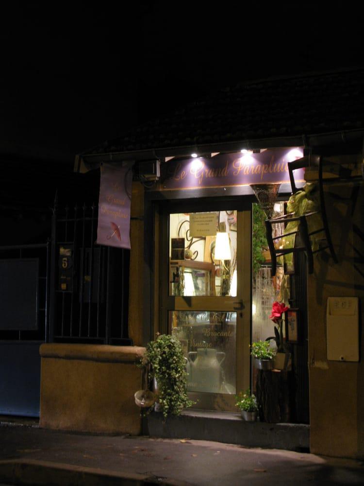 le grand parapluie magasin d 39 occasion 5 rue godolin les ch lets toulouse num ro de. Black Bedroom Furniture Sets. Home Design Ideas