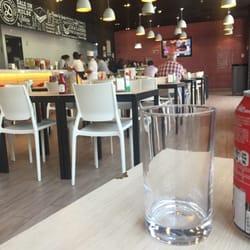 Domino Cafeteria Calle Los Militares 4777 Rm Santiago Chile