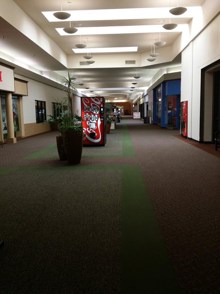 Brazos Mall: 100 Hwy 332 W, Lake Jackson, TX