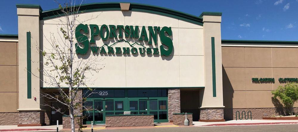 Sportsman's Warehouse: 925 32nd Ave W, Williston, ND