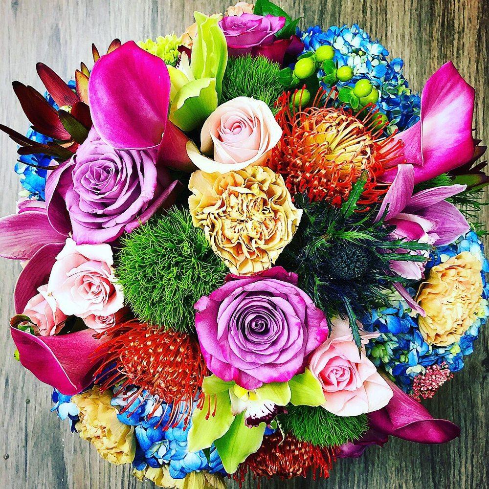 Finishing Touch Florist & Gifts: 1645 140th Ave NE, Bellevue, WA
