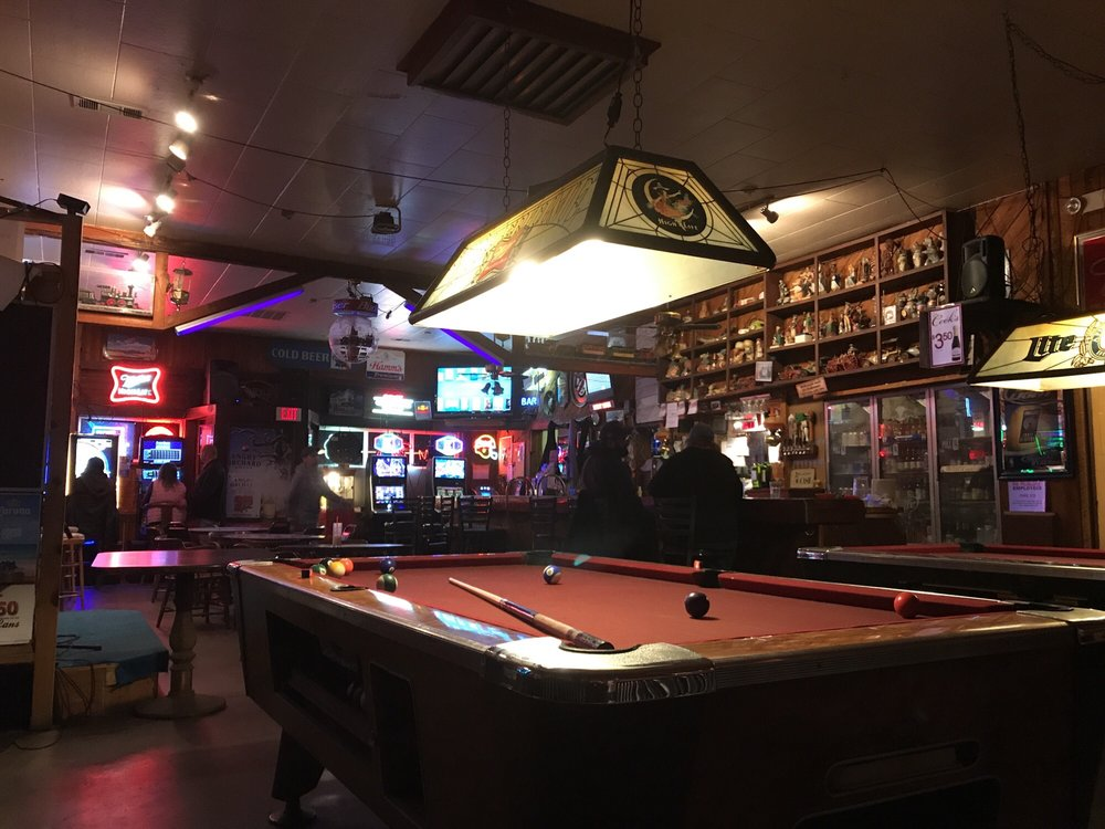 Cedar Side Inn: 756 Bridge St, Vernonia, OR