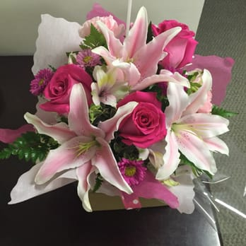photo of angies flowers los angeles ca united states pretty pink arrangement