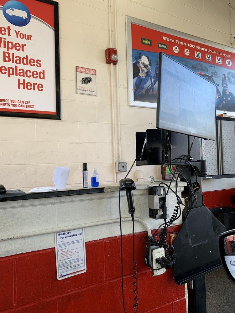 Valvoline Instant Oil Change: 257 Rochelle Ave, Rochelle Park, NJ