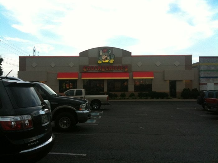 Chuck e cheese clarksville tn