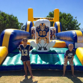 best service ac6d0 ef13a Los Angeles Rams Training Camp - 34 Photos - Stadiums ...