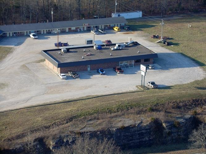 Ozark Plaza Motel & RV Park: 43 Vaughts Dr, Gainesville, MO