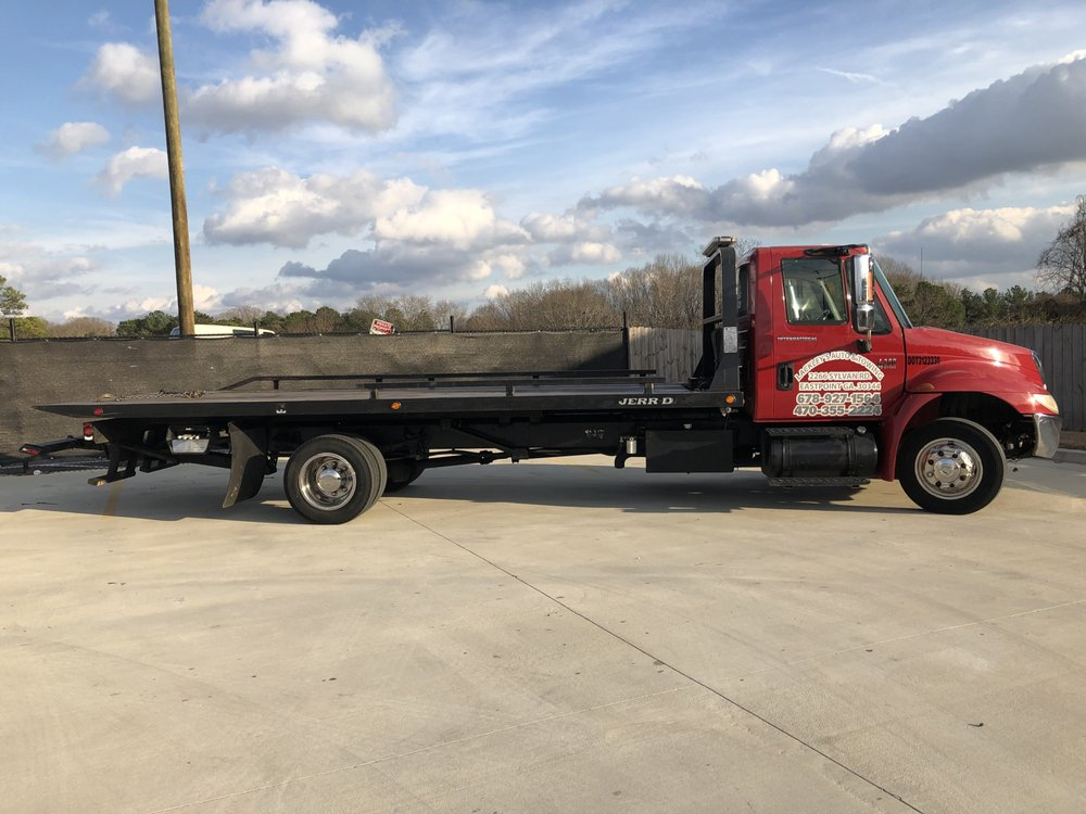 Towing business in East Point, GA