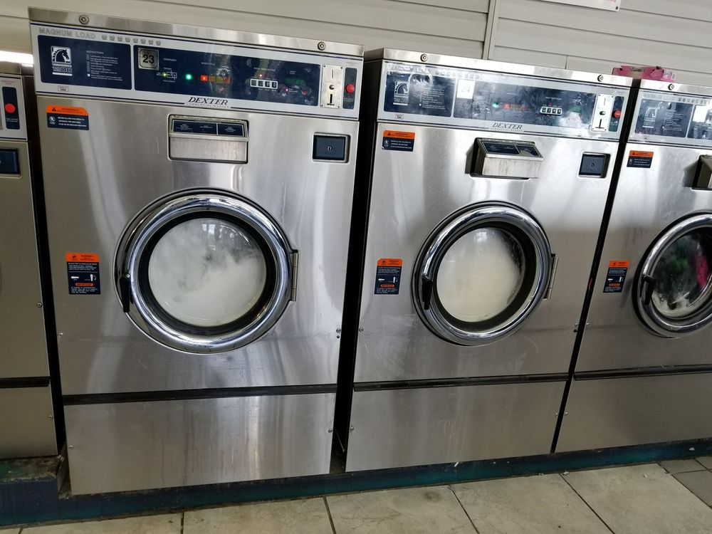 Super Matt Coin Laundry: 3106 Cortez Rd W, Bradenton, FL
