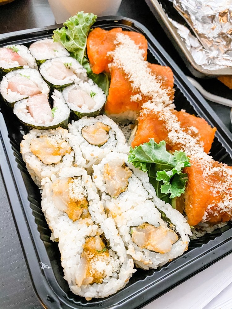 Kasai Sushi Bar & Kitchen: 965 N Shadeland Ave, Indianapolis, IN