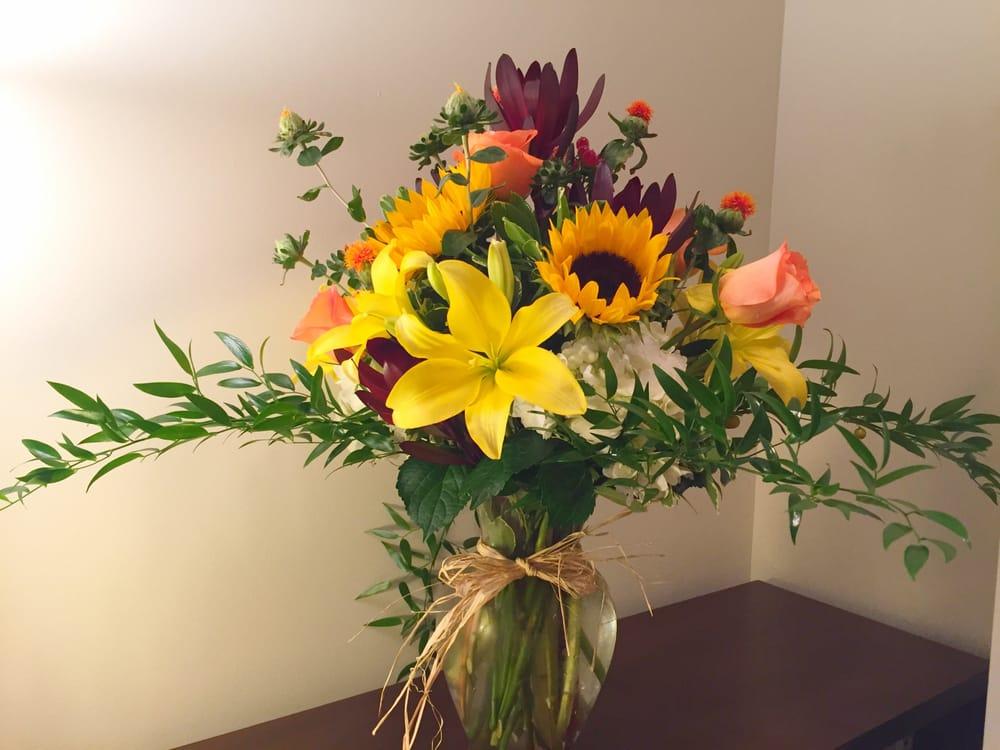 Aldena Frye Custom Floral Design: 120 W Main St, Aberdeen, NC
