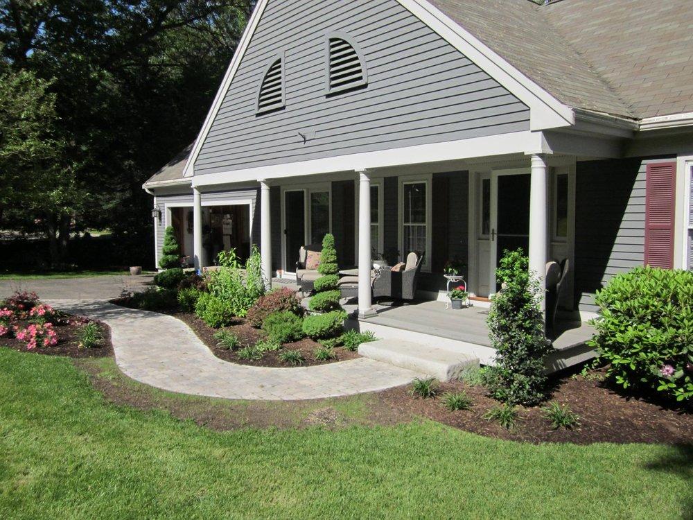 Collegiate Landscaping LLC