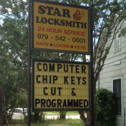 Star Locksmith: 635 N Main St, Giddings, TX