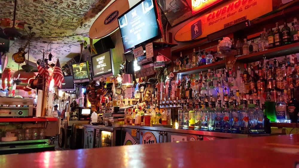 The Club House Sports Bar & Grill: 369 Arneill Rd, Camarillo, CA