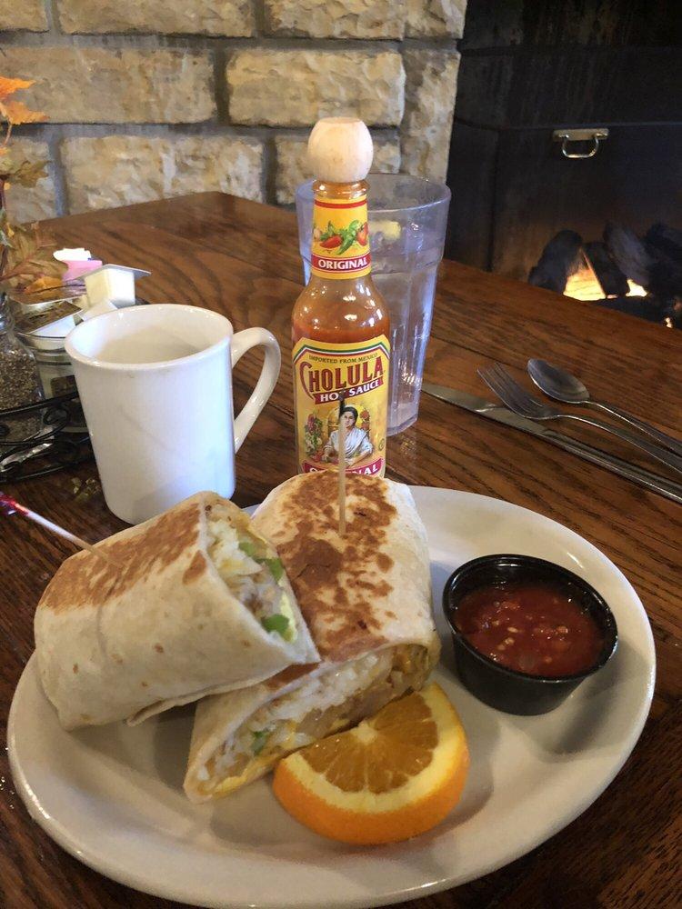White Pines Resort Lodge Restaurant: 6712 W Pines Rd, Mount Morris, IL