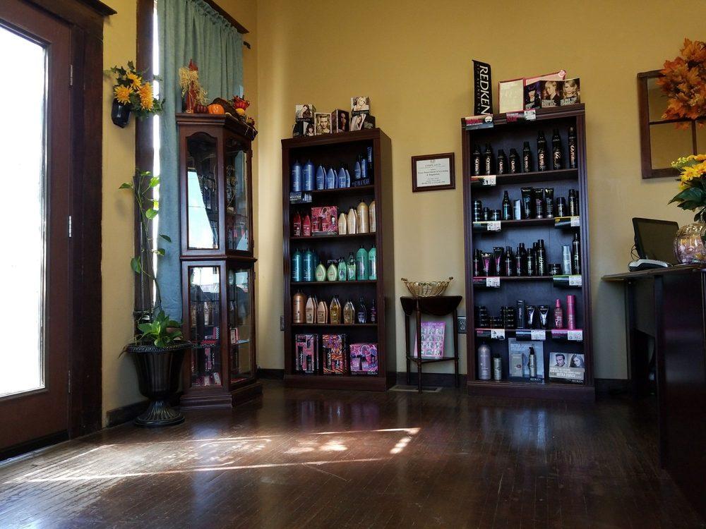 Southern Style Salon: 305 W King Ave, Kingsville, TX