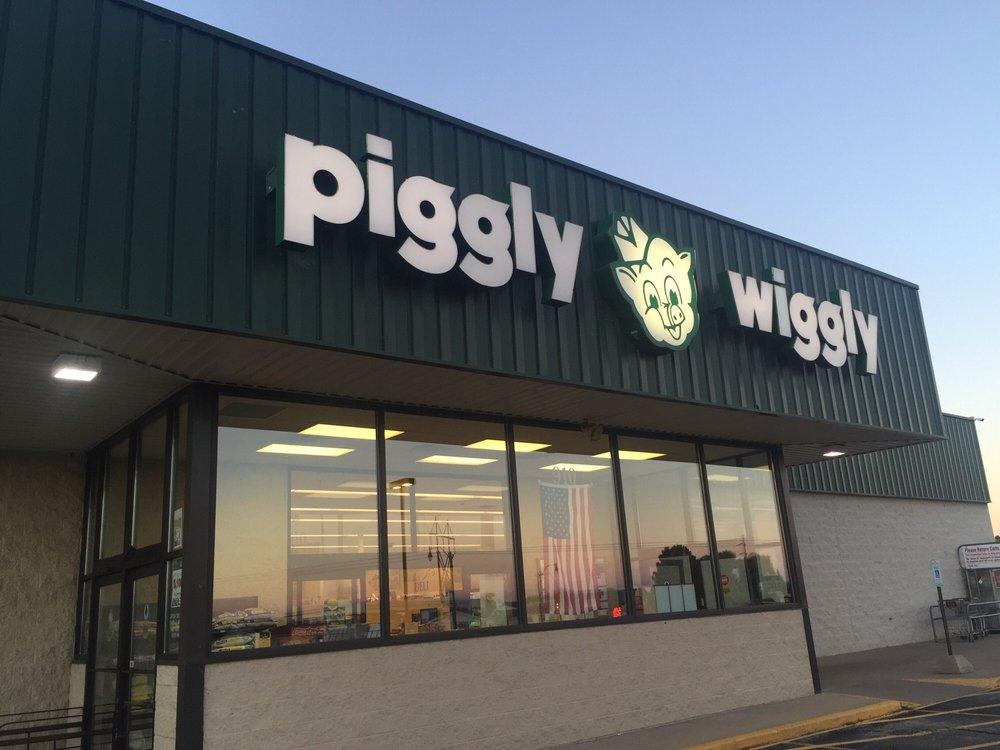 Wayne's Piggly Wiggly: 910 E Main St, Winneconne, WI