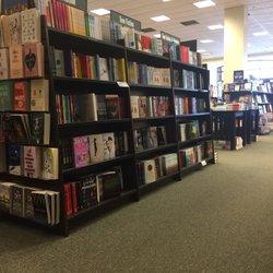 Barnes Amp Noble 11 Photos Amp 18 Reviews Bookstores