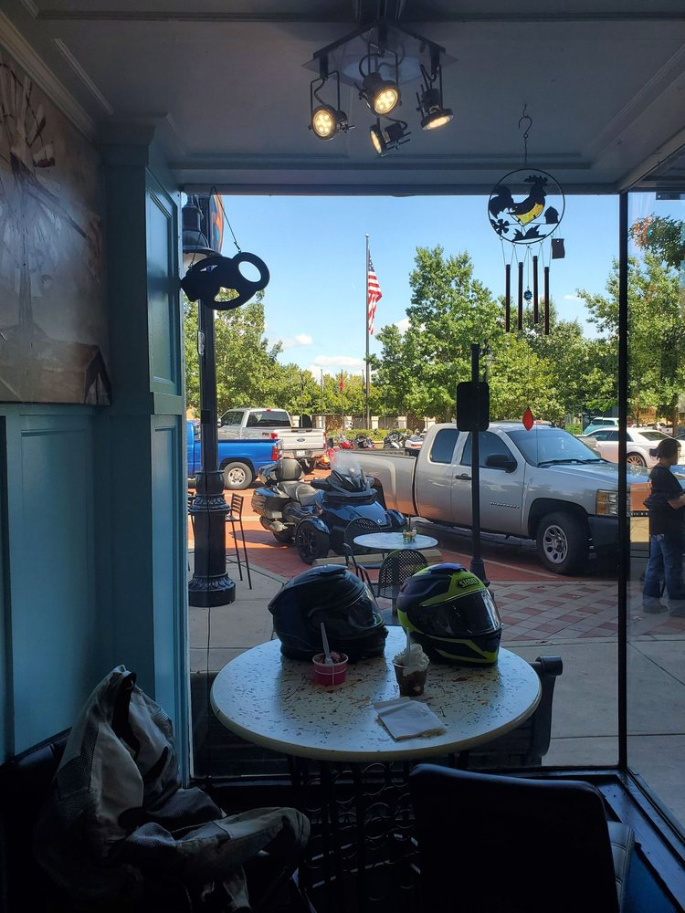 The Magic Scoop General Store: 111 Gilmer St, Sulphur Springs, TX