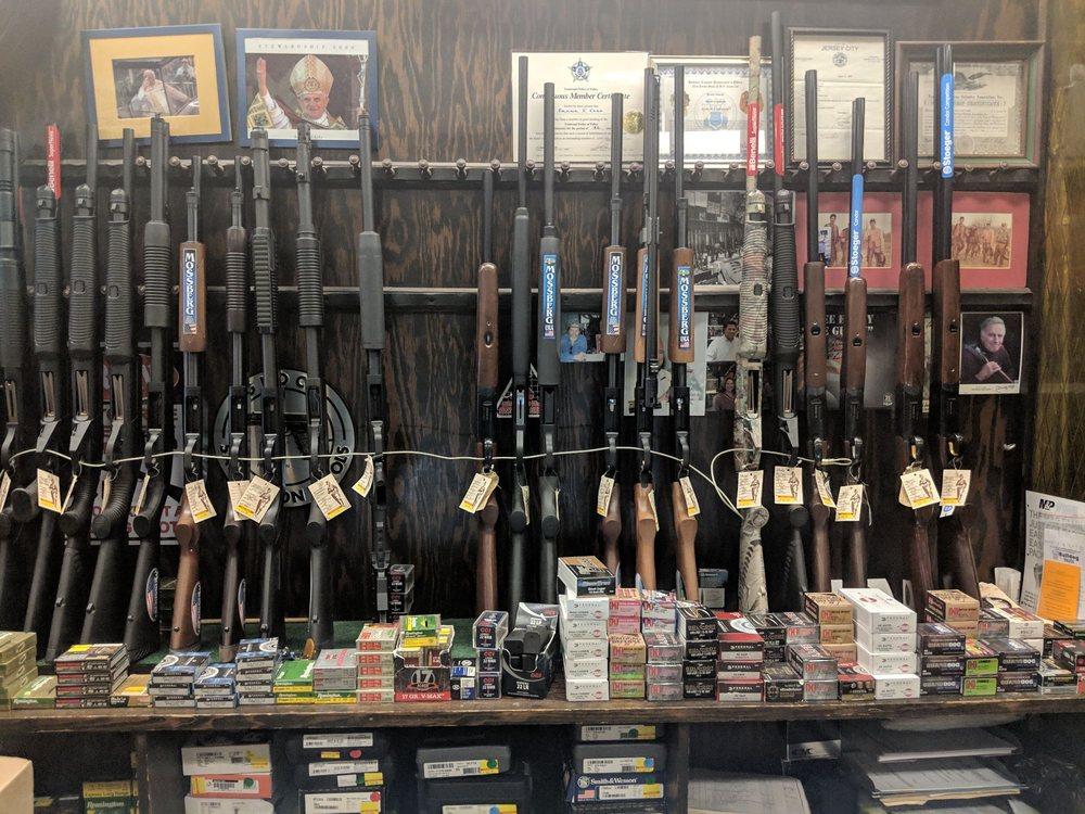 Caso's Gun-A-Rama, Inc: 176 Danforth Ave, Jersey City, NJ