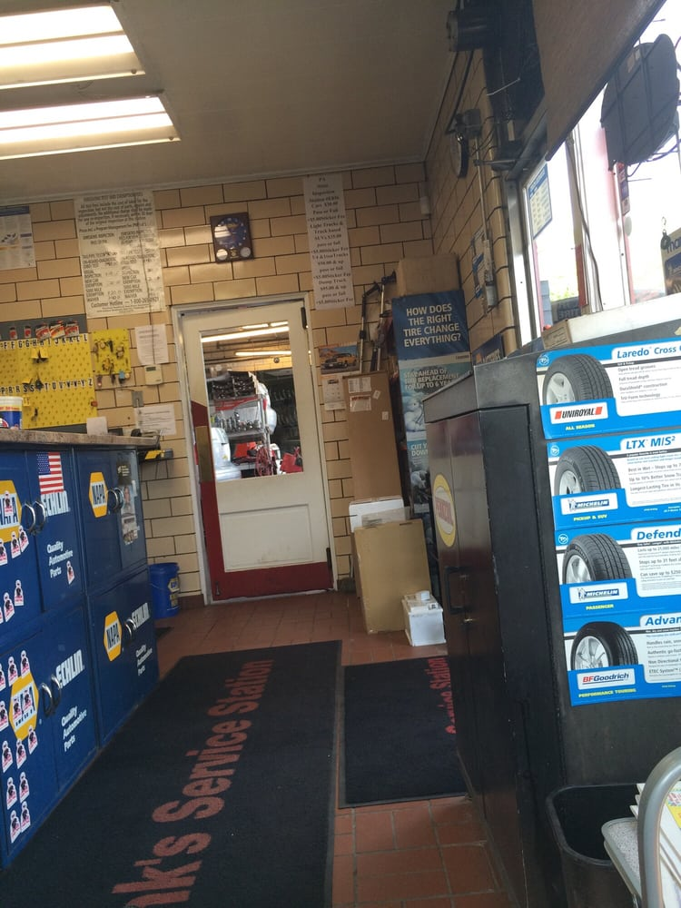 Gene Finks Tire: 54 Freeport Rd, Aspinwall, PA