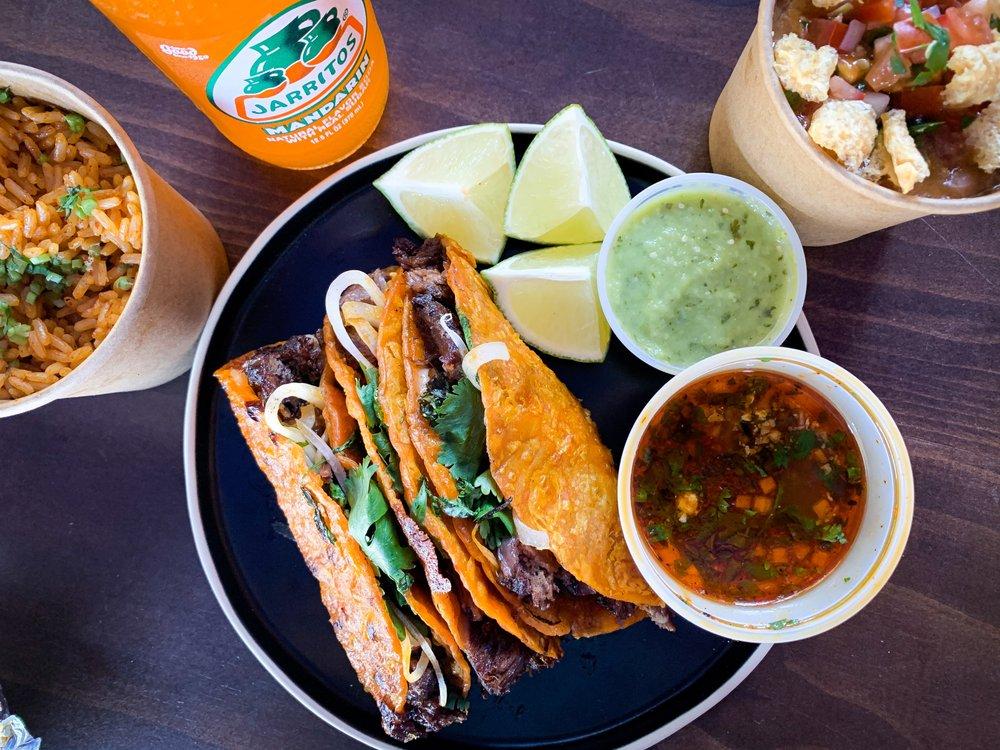 Food from Lechuza Birria Tacos