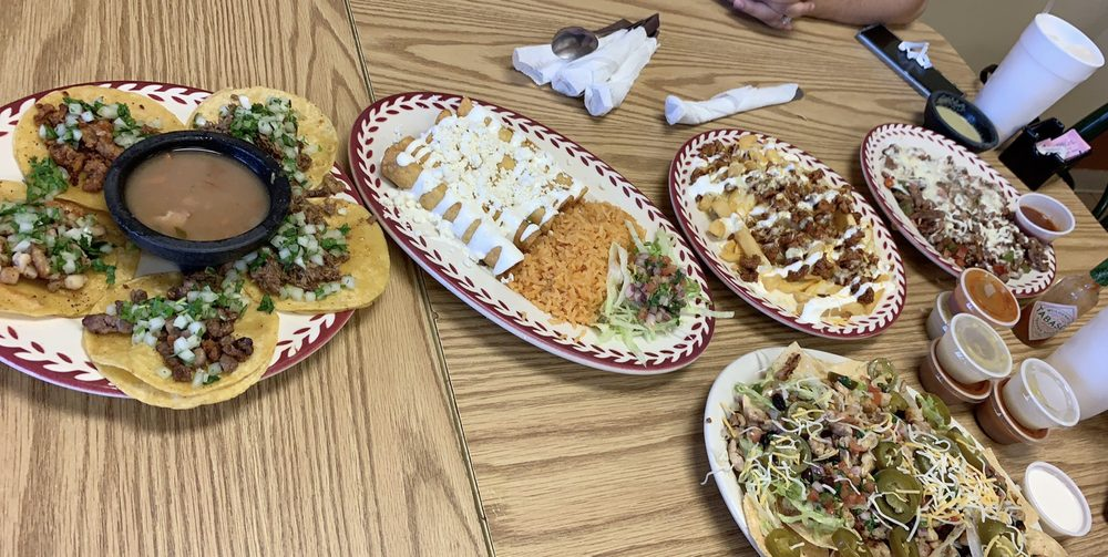 Geo's Kitchen Mexican & Southern Cuisine: 2949 College St, Beaumont, TX