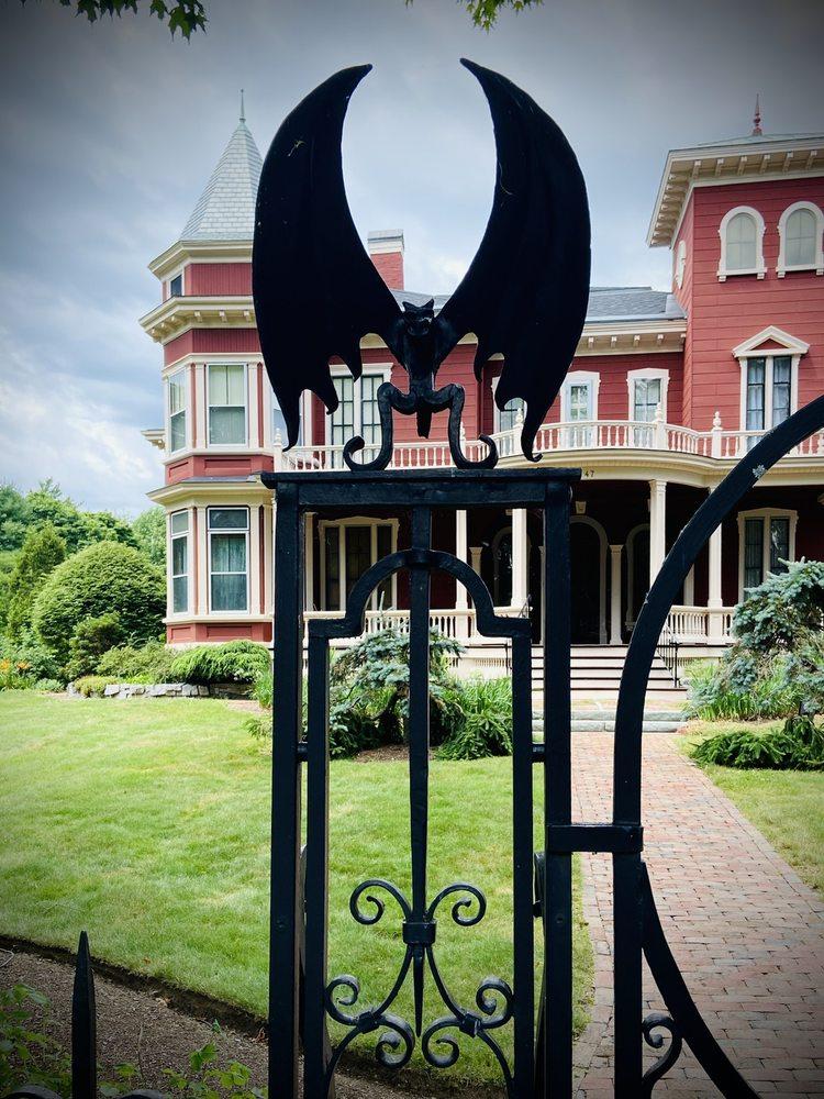 Stephen King's House: 47 W Broadway, Bangor, ME