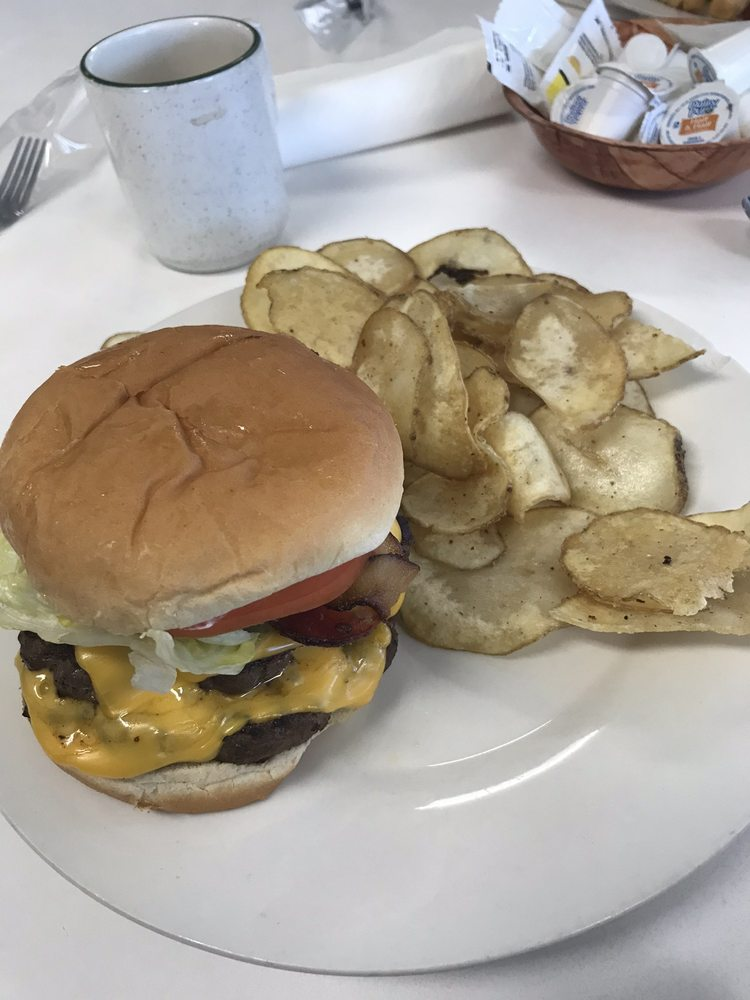 Surry Diner: 2368 Zephyr Rd, Dobson, NC