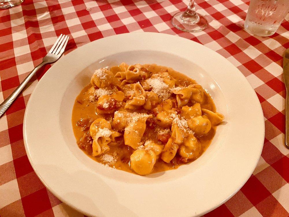 La Trattoria Restaurant Da Gaetano: 2152 Main St, Dunedin, FL