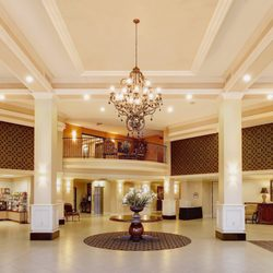 Photo Of The Grand Hotel At Bridgeport Tigard Or United States Lobby
