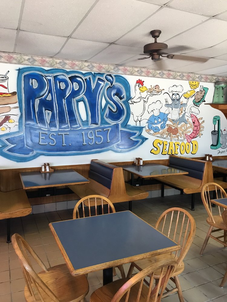 Pappy's Drive Inn: 323 Calcasieu Ave, Lake Arthur, LA
