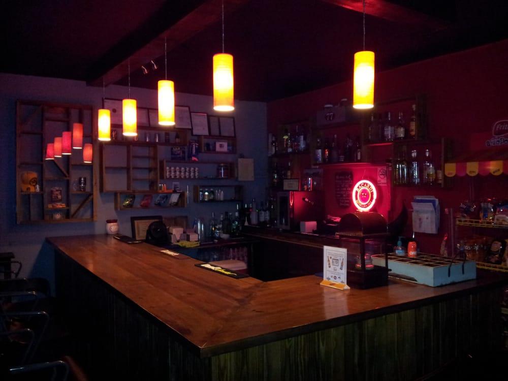 Xtreme Beer Sports Bar: Carr 110 int, Aguadilla, PR